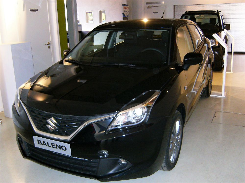 suzuki baleno 1 2 gl destockage v hicules roadmotor garage suzuki. Black Bedroom Furniture Sets. Home Design Ideas
